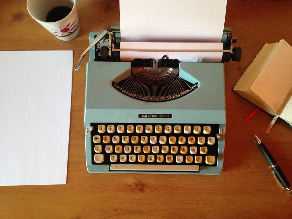 machine-writing-1035292_1280